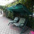 Это вход во двор,и кресла для отдыха.