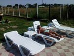 Отдых после купания в бассейне