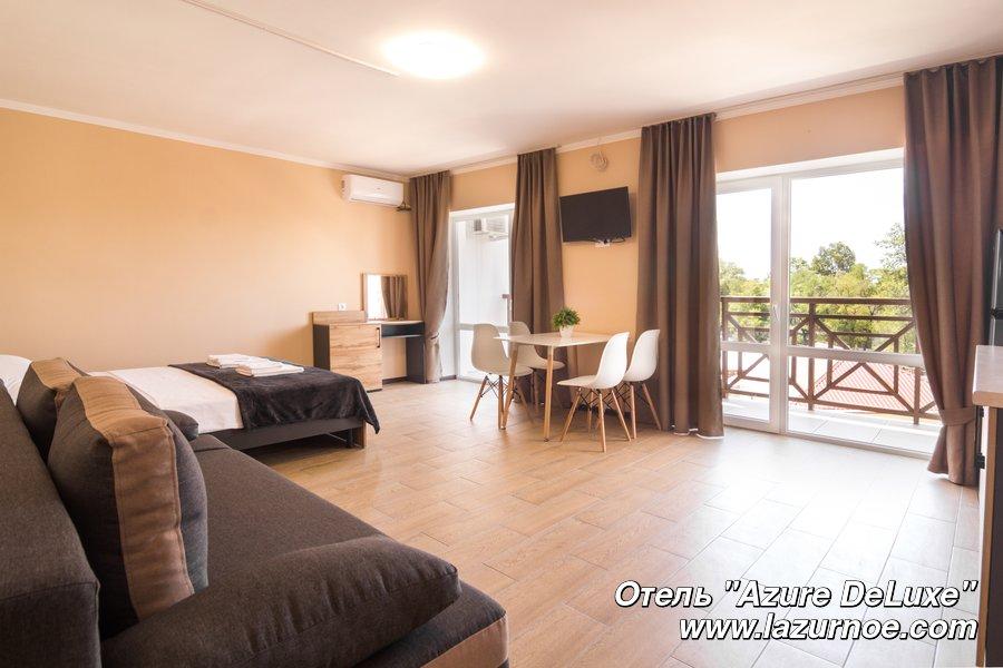 Отель Azure DeLuxe